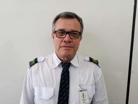 Foto de Paulo Roberto Machado com uniforme da empresa