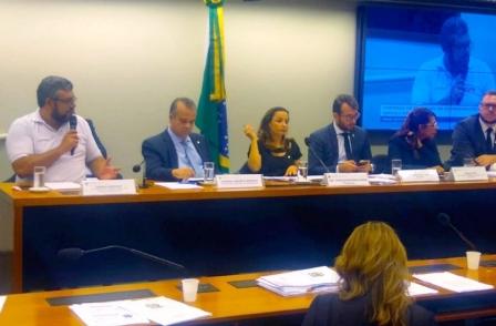 Presidente da CUT Brasília, Rodrigo Rodrigues, alerta que a MP 905 de Bolsonaro vai aprofundar a precarização das relações de trabalho e aumentar os índices de desemprego no Brasil.